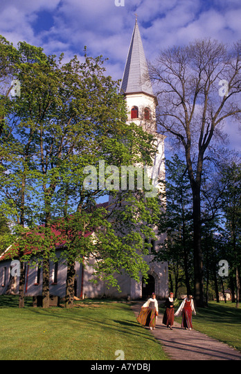 sigulda girls An introduction to the town of sigulda the latvian town of sigulda can be  found  boys trip | girls trip | walking/trekking | autumn holiday | spring  holiday.