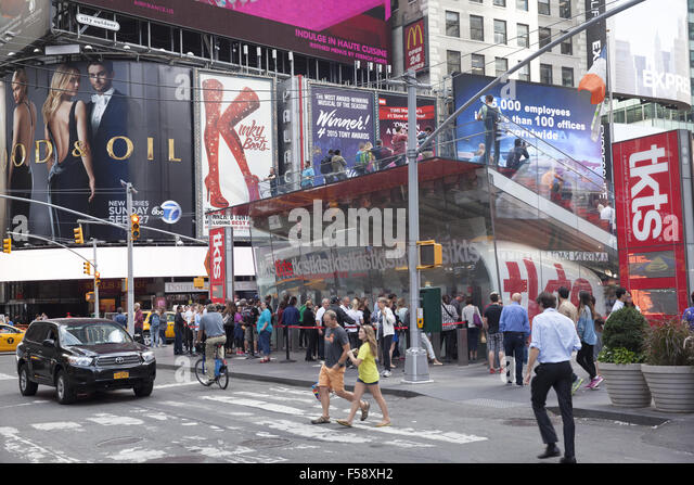 Theater district new york stock photos theater district for Cheap attractions in new york city