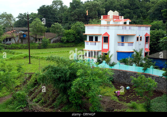 Bungalows india stock photos bungalows india stock for Small bungalow images in india