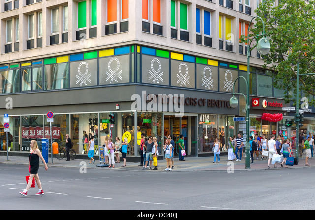 Benetton shop stock photos benetton shop stock images for Benetton usa online shop