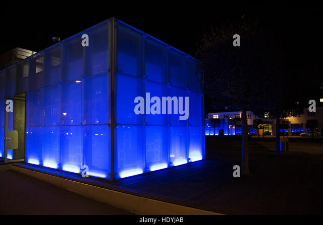 glass cube architecture stock photos glass cube architecture stock images alamy. Black Bedroom Furniture Sets. Home Design Ideas