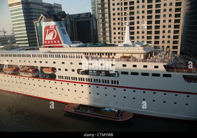 Traumschiff Stock Photos Traumschiff Stock Images Alamy - Columbo cruise ship
