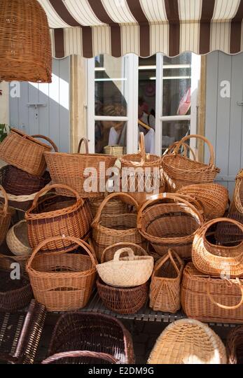 Making Wicker Baskets Stock Photos & Making Wicker Baskets Stock ...