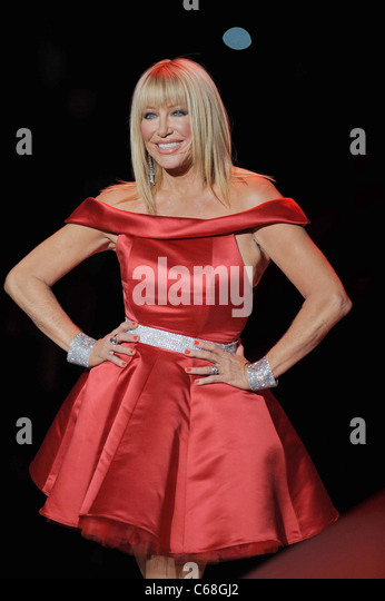 Jan 25,  · Suzanne Somers picture & Photo Gallery Mercede-Benz Fashion Week Fall - The Heart Truth