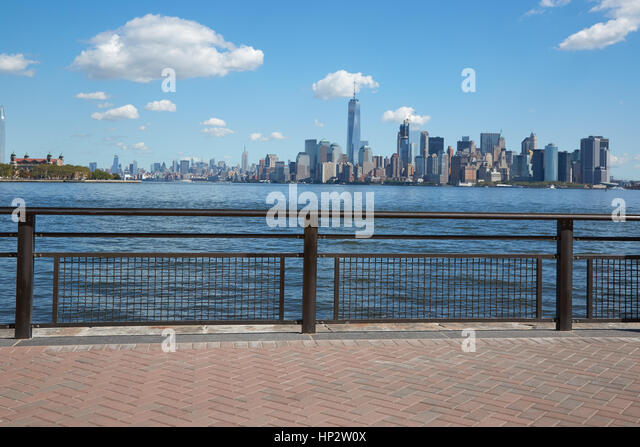 New york city skyline summer stock photos new york city for 4 church terrace docking