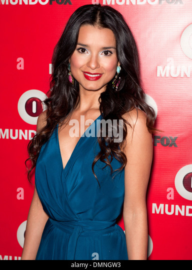 http://l7.alamy.com/zooms/db8ea20b8e764be0bb572c9dba82f8fa/paola-rey-mundofox-launch-party-lets-make-history-together!-arrivals-dmngw3.jpg