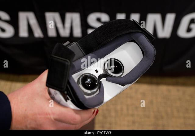 Gear Vr Stock Photos & Gear Vr Stock Images