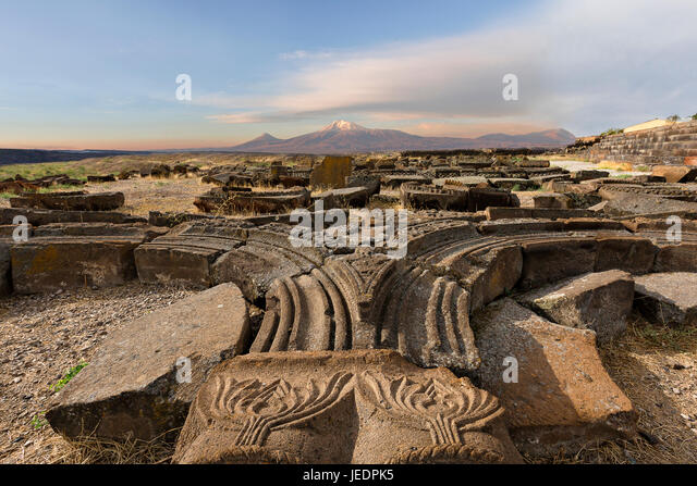 Ruins of the Temple of Zvartnots with Mt Ararat in the background, Armenia. - Stock Image