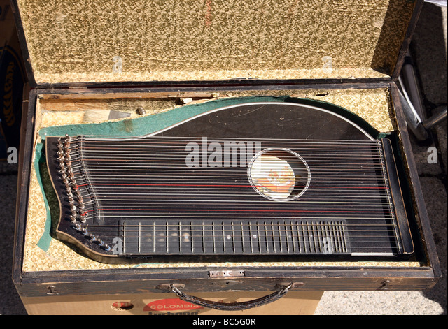 zither stock photos amp zither stock images alamy
