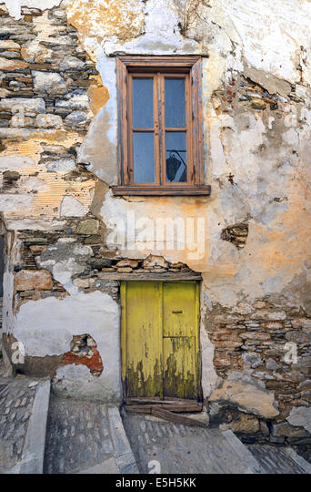 Syra stock photos syra stock images alamy for Old house tracks