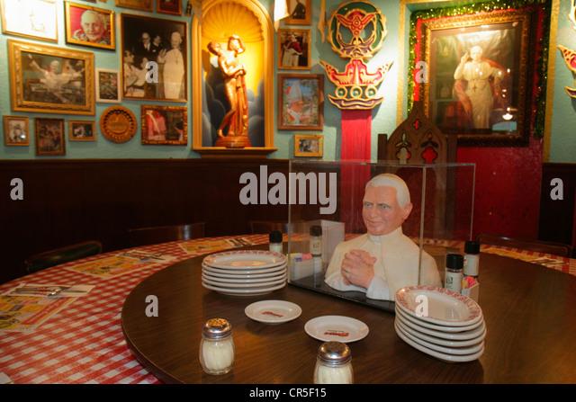 Beppo stock photos beppo stock images alamy - Buca di beppo pope table ...
