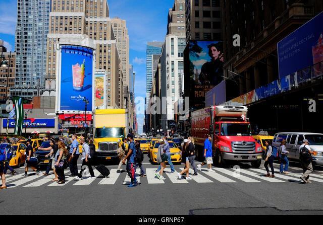 34th street and yellow cab stock photos amp 34th street and