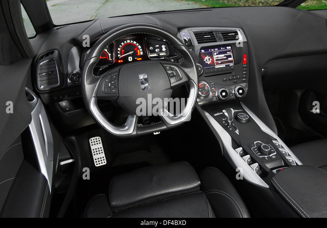 white citro n french car stock photos white citro n french car stock images alamy. Black Bedroom Furniture Sets. Home Design Ideas