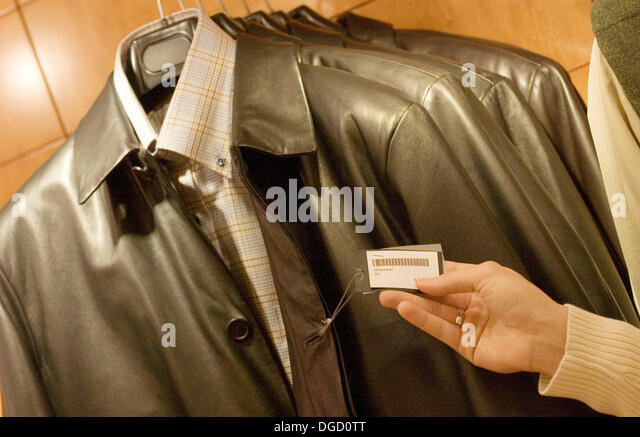 Leather jacket hanger