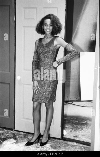 whitney black white. Whitney Houston Pictured In London As She Topped The British Charts On 10th December 1985. Black White N