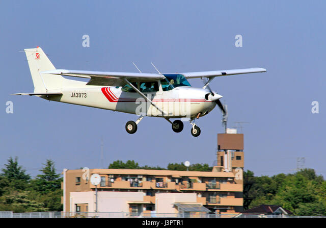 Cessna Skyhawk Stock Photos Cessna Skyhawk Stock Images Page 3