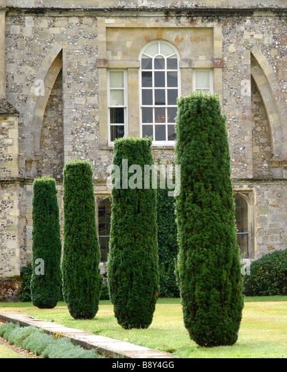 Topiary Pillars Stock Photos Topiary Pillars Stock Images Alamy