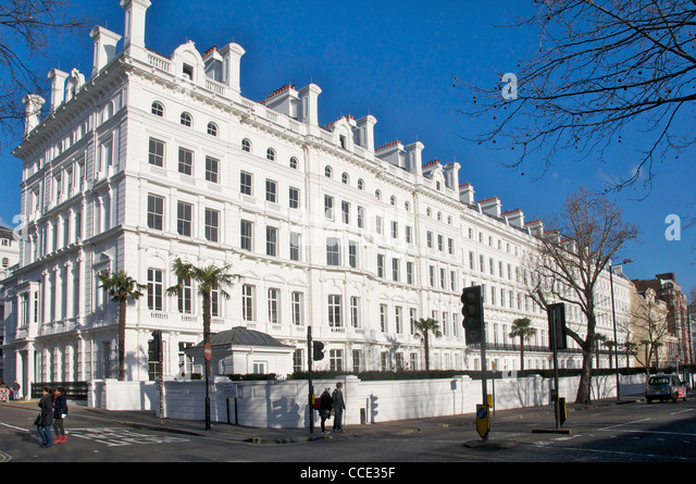 Bayswater london white stock photos bayswater london for 45 queensborough terrace bayswater london