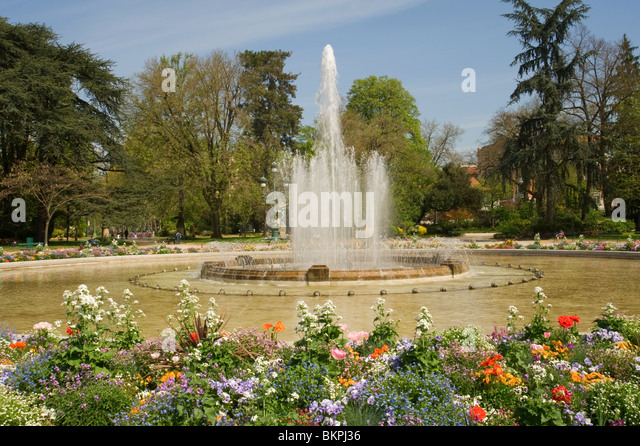 Jardin du midi stock photos jardin du midi stock images alamy for Jardin grand rond toulouse