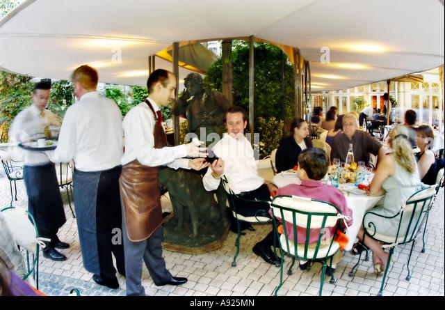 Jouin stock photos jouin stock images alamy - Restaurant la terrasse paris ...