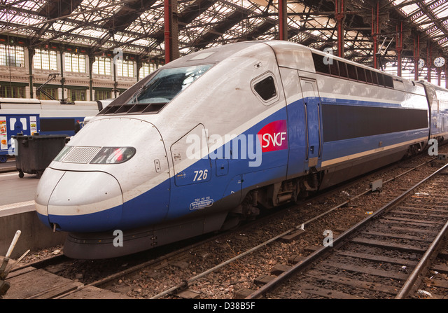 pantograph train stock photos pantograph train stock images alamy. Black Bedroom Furniture Sets. Home Design Ideas