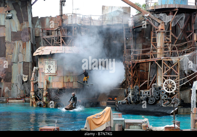 Waterworld stock photos waterworld stock images alamy for Hotels near portrush with swimming pool