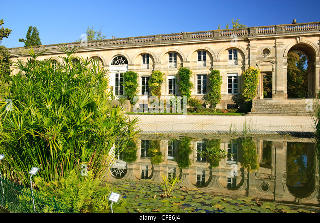 French windows garden view stock photos french windows for Bordeaux jardin botanique