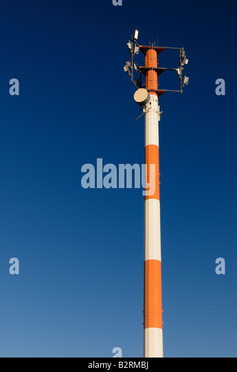 cell phone tower stock photos cell phone tower stock images alamy. Black Bedroom Furniture Sets. Home Design Ideas