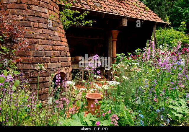The DialAFlight Potteru0027s Garden, An Artisan Garden Gold Medal Winner At The  Chelsea Flower Show