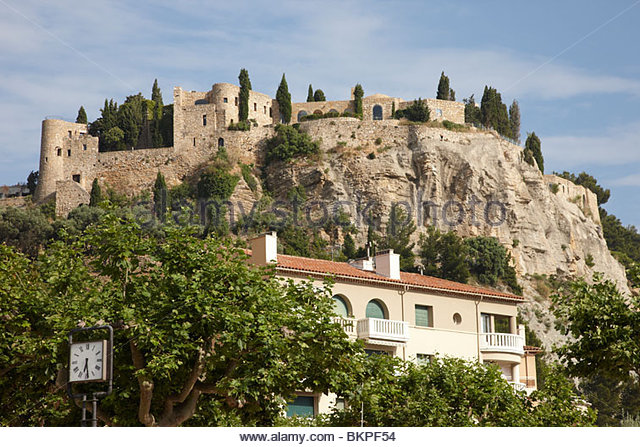 Cassis stock photos cassis stock images alamy for Cassis france hotels