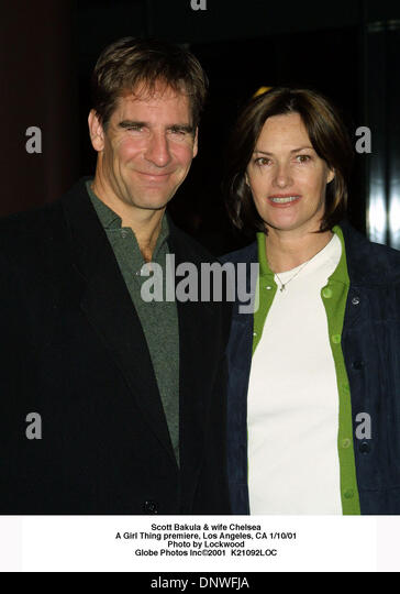 Scott Bakula With Wife Stock Photos & Scott Bakula With ...