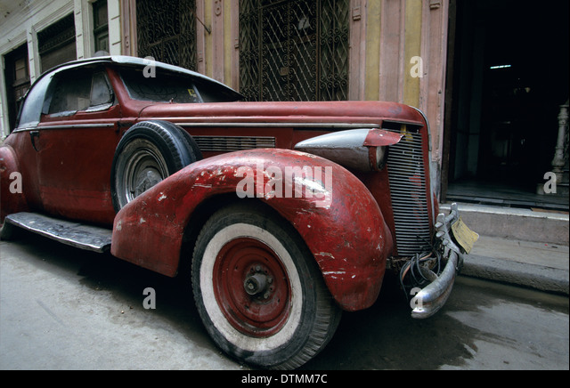 vintage american cars from the 1940s and 50s still roam the streets of havana cuba
