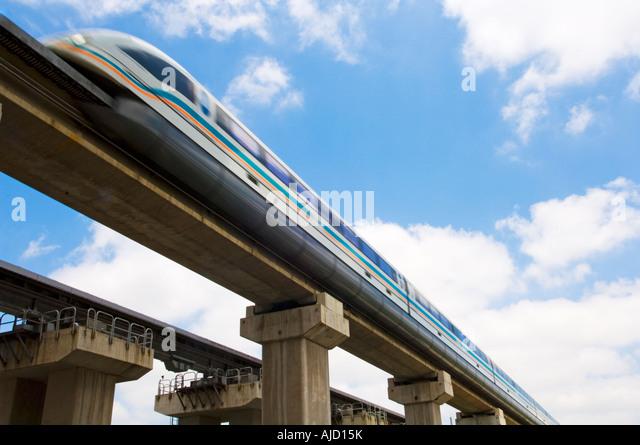 shanghai-maglev-train-ajd15k.jpg
