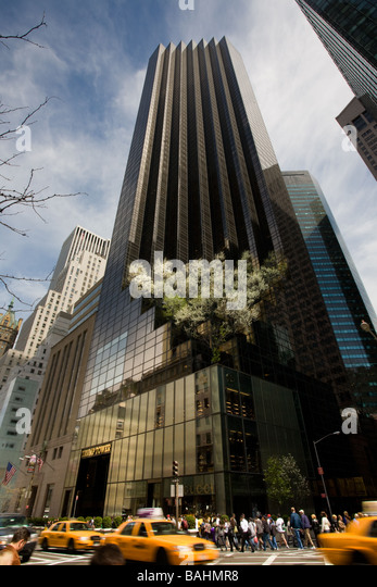 Trump tower stock photos trump tower stock images alamy for Trump plaza new york city