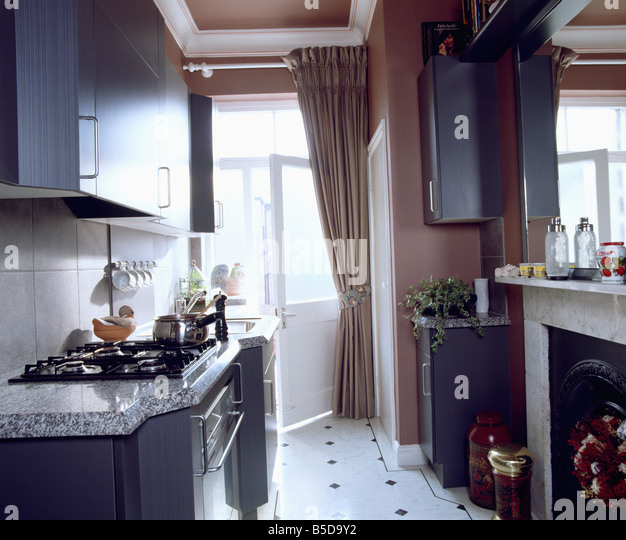 Hobs stock photos hobs stock images page 7 alamy for Kitchen unit set