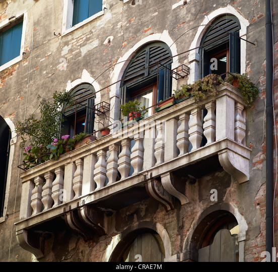 Balcony in italy stock photos balcony in italy stock for Balcony in italian