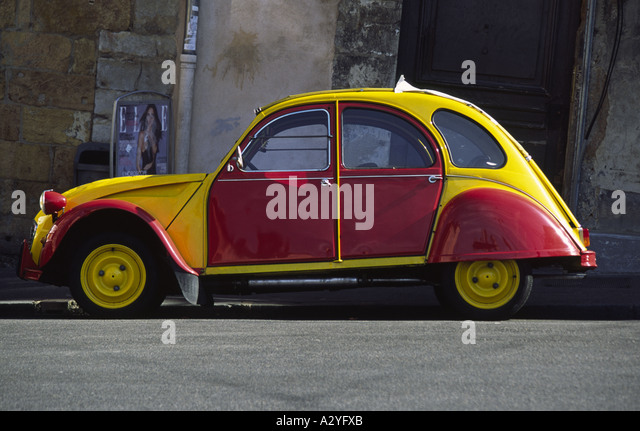 yellow 2cv stock photos yellow 2cv stock images alamy. Black Bedroom Furniture Sets. Home Design Ideas