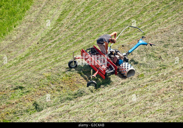 how to use a hay tedder