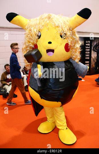 Pokemon stadium pikachu yellow dress