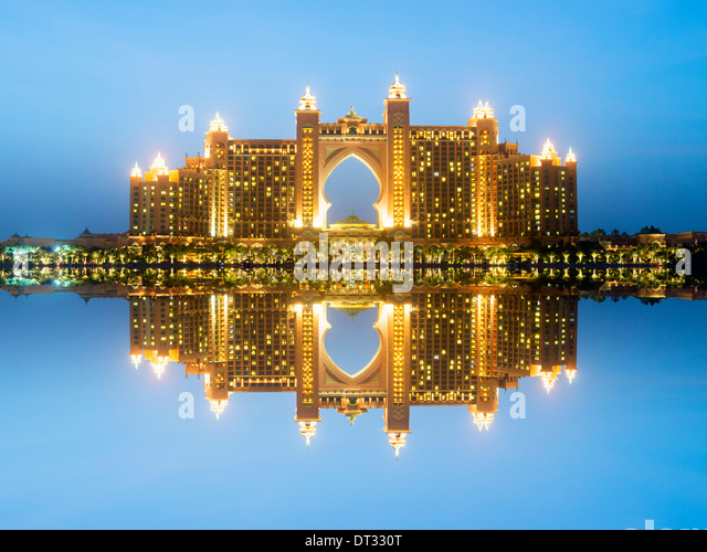 Atlantis the palm stock photos atlantis the palm stock for Best hotels on the palm dubai