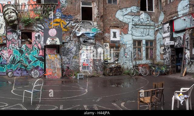 Backyards of Berlin: 5, 6 &- 7 - FINDING BERLIN