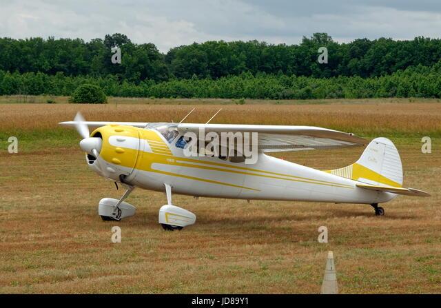 1954 Cessna 195B Businessliner Aircraft - Stock Image