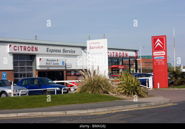 Citroen Car Dealer Sign Stock Photos Amp Citroen Car Dealer