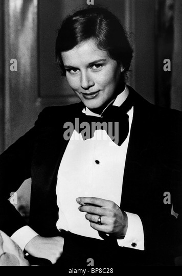 Geraldine chaplin dominique sanda nude 1980 - 1 part 4