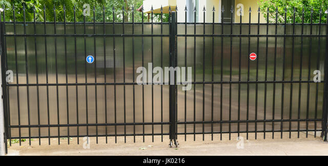 Polycarbonate stock photos polycarbonate stock images for Urban glass fencing