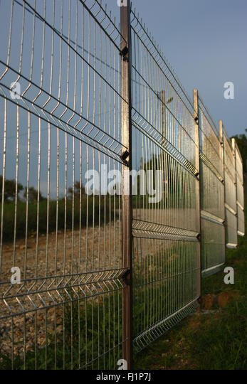 Welded Wire Fence Stock Photos & Welded Wire Fence Stock Images ...