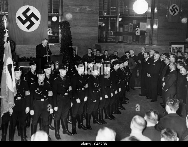 economic conditon germany 1933 When hitler assumed the german chancellorship in january 1933, 34 percent of germany's work force was unemployed by 1936, before hitler's rearmament program took hold of the economy, most of the jobless had disappeared from official unemployment statistics.