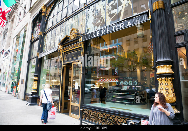 Sephora Shop Stock Photos & Sephora Shop Stock Images - Alamy