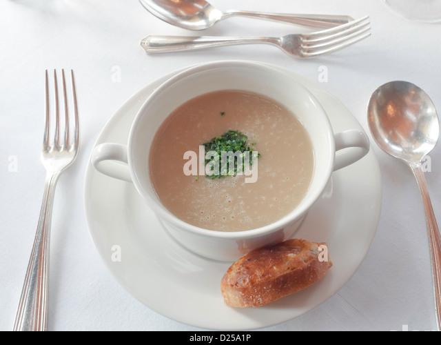 English Country Hotel Stock Photos & English Country Hotel ...