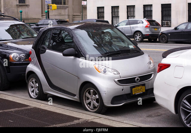 smart fortwo electric drive stock photos smart fortwo electric drive stock images alamy. Black Bedroom Furniture Sets. Home Design Ideas